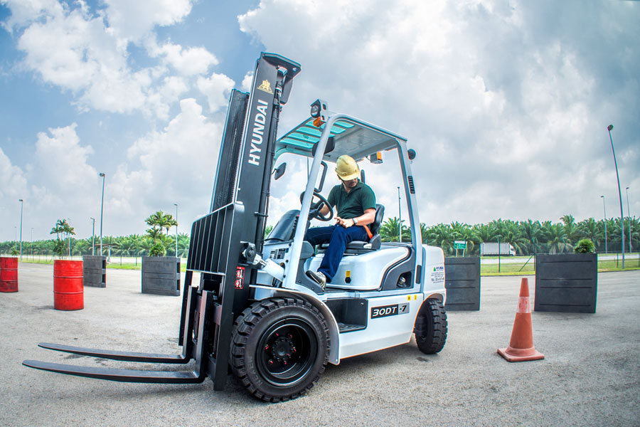 How to Pass The Forklift Certification Test (Questions and